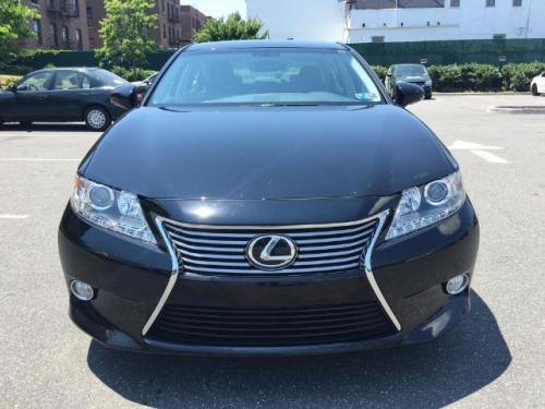 I am willing to sell my 2013 Lexus ES 350 Bas - Imagen 1